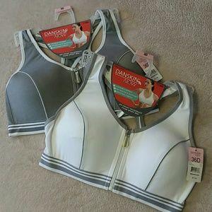 Danskin bras 2-bundle